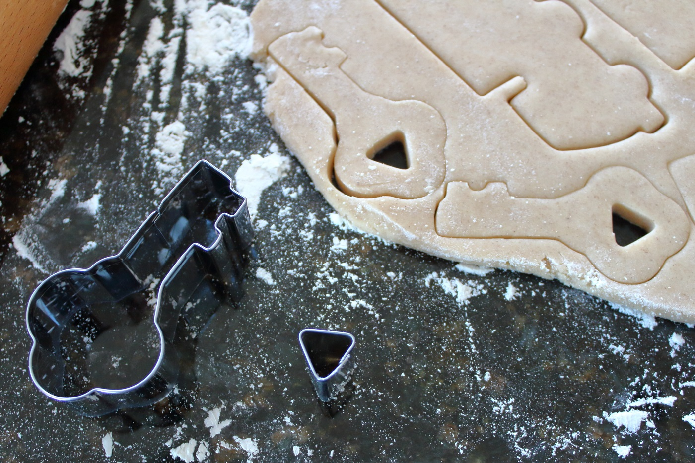 Key cookie with cut out