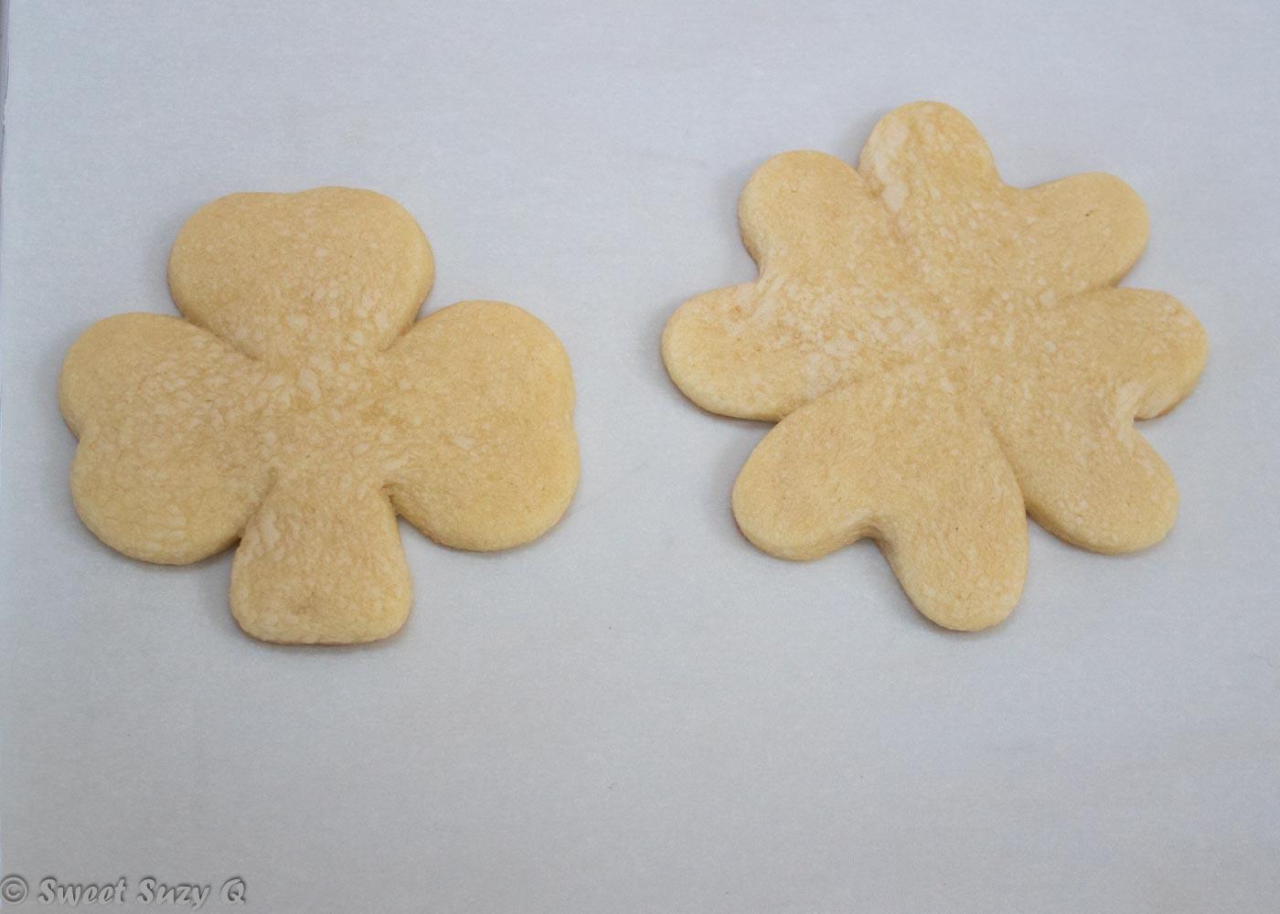 4 leaf clover cookie after baking